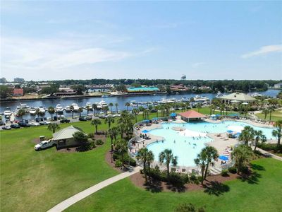 Tastefully Decorated Spacious 4BR with Amazing Views in North Tower located in Barefoot Resort!