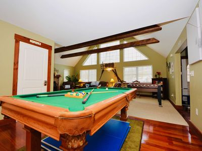 Photo for Pocono Mt. Split Lodge: HOT TUB, 2 Fireplaces, 2 Jacuzzi, Kitchen, Family/Pet Friendly