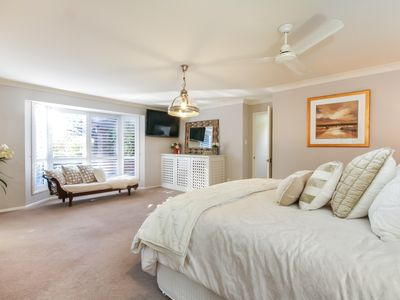 Photo for ELEGANT & EXPANSIVE COUNTRY HOME 10MIN FROM CBD