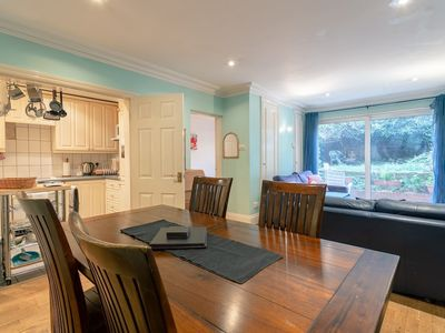 Photo for 2 Bedroom Apartment With Garden in Chelsea