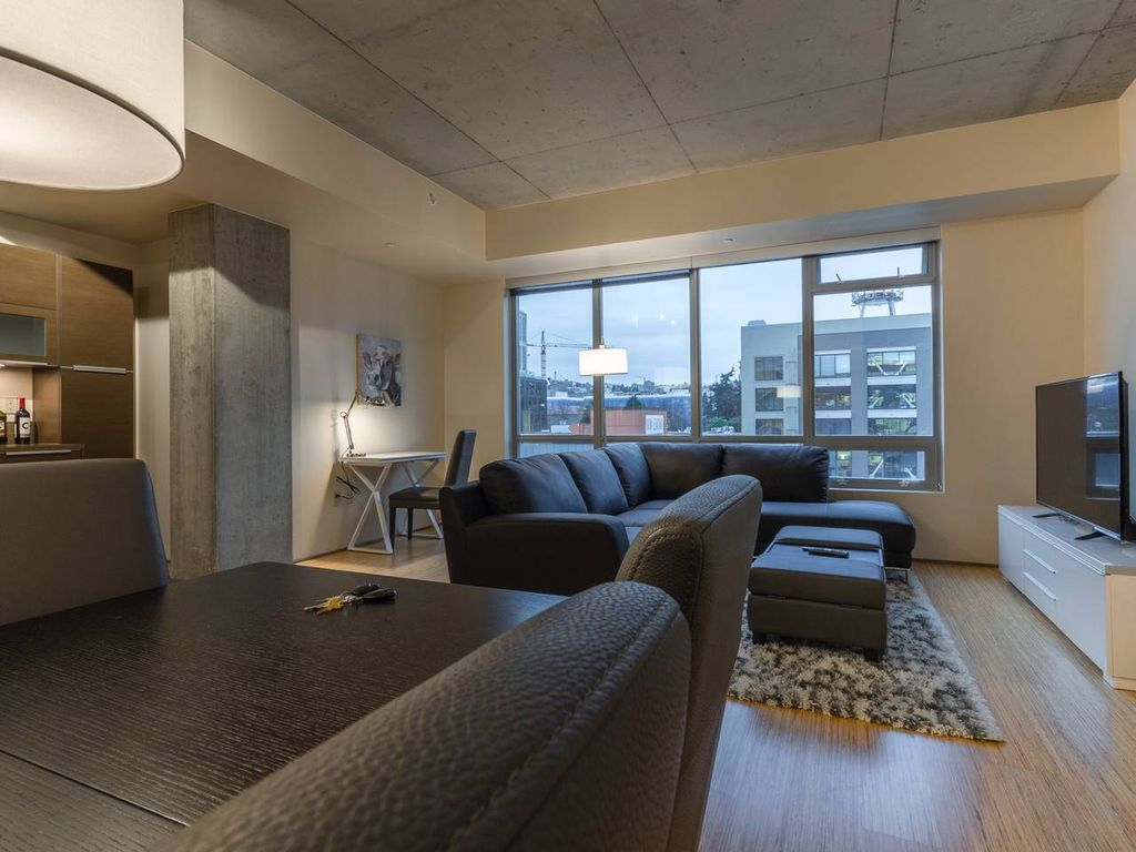 Downtown/Amazon Luxury Condo 3 - 100 Walkscore - One Bedroom Apartment, Sleeps 3