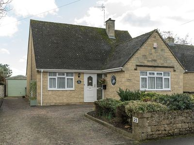Photo for 3 bedroom accommodation in Bourton-on-the-Water, near Stow-on-the-Wold