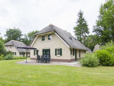 Photo for Luxury 6-person farmhouse residence in the holiday park Landal Het Land van Bartje - in the woods/woodland setting