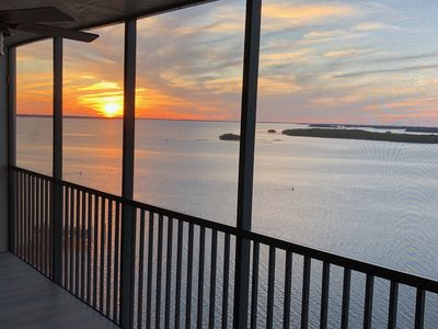 Photo for Bay View Tower   Unit 1133   Sanibel Harbour Resort