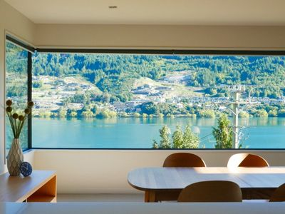 Photo for Villa De Meilu- 180 degrees view of Lake Wakatipu
