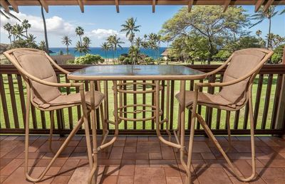 Lanai Dining Table