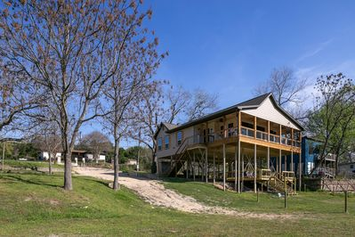 2,000 sq.ft. home that sleeps up to 16 guests!