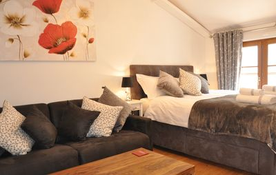 Photo for A comfortable newly renovated boutique apartment in Central Epernay.