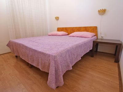 Photo for Holiday apartment Vinkuran for 3 - 4 persons with 2 bedrooms - Holiday apartment