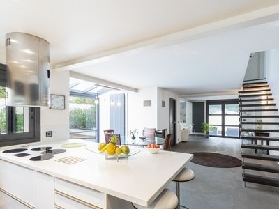 Photo for 5BR Villa Vacation Rental in Cannes, AM