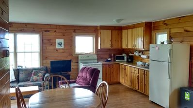 Photo for Beautiful 2 Bedroom Cottage on Private Lot