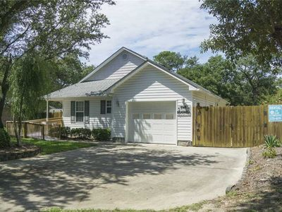 Photo for The Seashell: 3 Bed/2 Bath Partially Handicap Accessible Home with Fenced Backyard