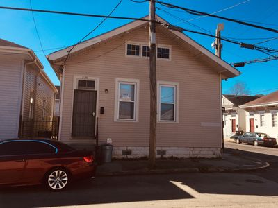 Photo for 4 beds Central City, 15 minutes to French Quarter