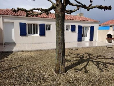 Photo for Villa Grues, 2 bedrooms, 5 persons