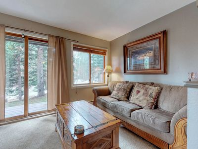 Photo for Ski-in/ski-out condo w/ shared hot tub & sauna - walk to lifts, 2 dogs OK!