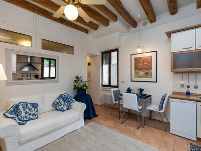Photo for ELEGANT APARTMENT IN THE HEART OF VENICE