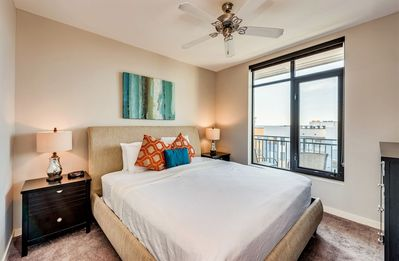 Take in the Nash-Vegas views from your Stay Alfred