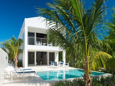 Photo for Little Plum Villa steps from restaurants and snorkeling on Grace Bay Beach