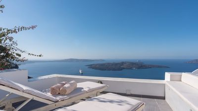 Photo for Firostephani House Santorini Breathtaking View upto 3 guests