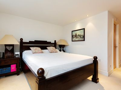 Photo for Capacious Camden - Three Bedroom Apartment, Sleeps 4 (Veeve)