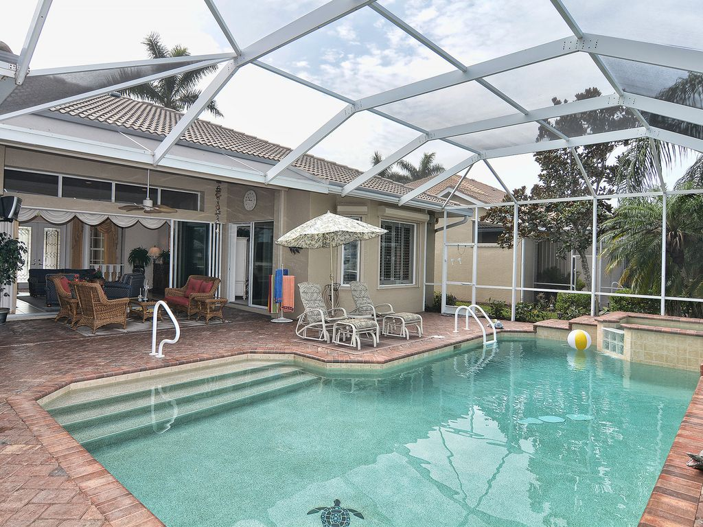 Cozy Familly Home With Private Heated Pool And Spa In A