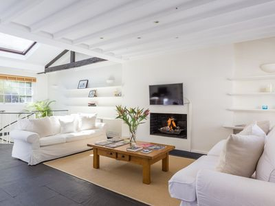 Photo for Holland Park Mews - Two Bedroom Apartment, Sleeps 2