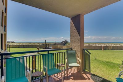 Wondrous Beachfront Condo With Shared Pool Tennis Courts And Fitness Center Navarre Home Interior And Landscaping Oversignezvosmurscom
