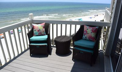 Photo for NEWLY RENOVATED!! Beachfront 2 Bed/2 Bath, Sleeps up to 8.