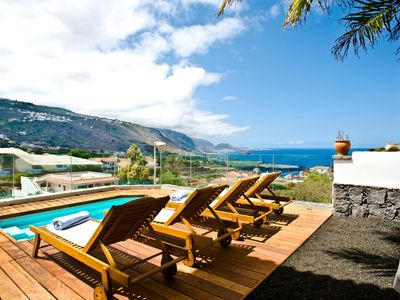 Photo for Private heated plunge pool, ocean & volcano views, wifi in Villa [apt A]