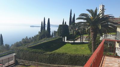 Photo for Romantic villa with stunning views of Lake Garda