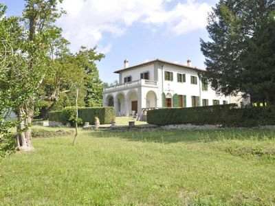 Photo for 6BR Villa Vacation Rental in Vicchio