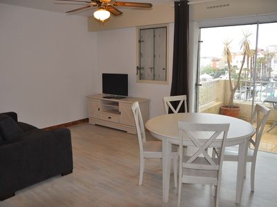 Photo for Air-conditioned apartment of 43 sqm with swimming pool in the residence