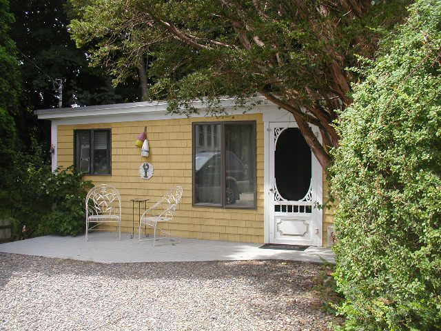 York beach cabin close to short sands beach homeaway for Cabin rentals in maine with hot tub