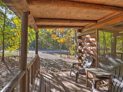 Photo for Broken Bow Cabin w/ Hot Tub & BBQ - 4 Mi to Lake!
