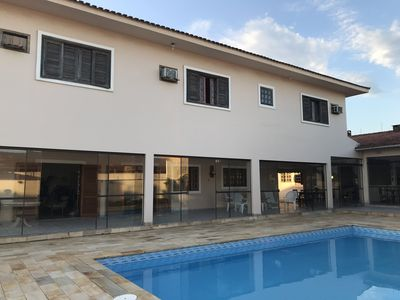 Photo for Townhouse with 6 suites with air conditioning, large pool, great location