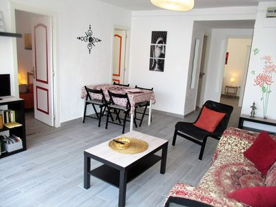 Photo for Beautiful 2 bedroom apartment for 4, beach, restaurants, shops 1 step away,