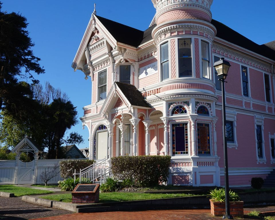 Famous Pink Lady Clic Victorian Mansion Step Into Another Time