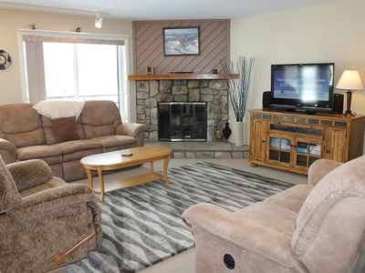 Photo for BR202F Condo w/Great Views, Wifi, Fireplace, Clubhouse & Covered Parking