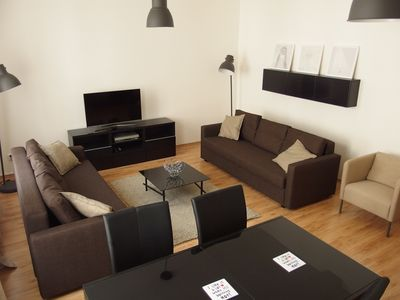 Light & airy flat near city center / Bright apartment in the center of Prague