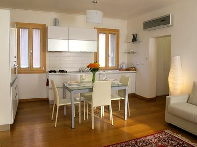 Photo for Comfortable vacation in sunny apartment in the heart of Venice