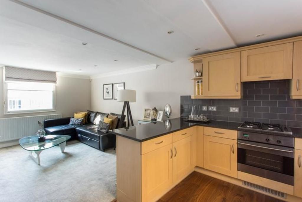 London Home 613, Imagine Renting Your Own 5 Star Private Holiday Home in London, England - Studio Villa, Sleeps 4