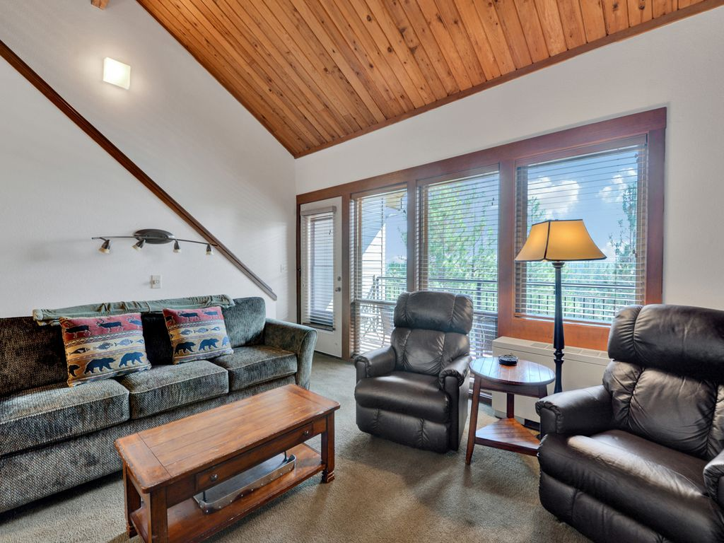 cozy 2 bedroom 2 bath at seventh mountain resort, bend,central
