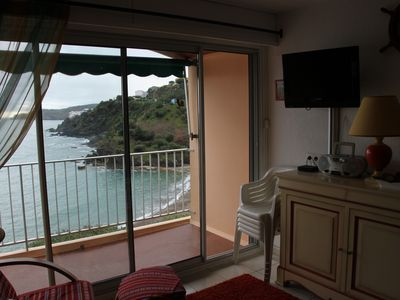 Photo for Cute apartment with sea views, fully renovated.