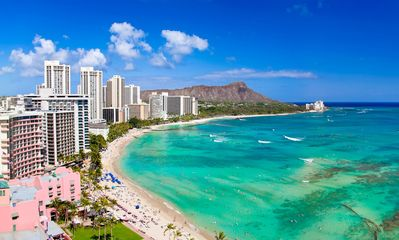 Just Steps Away from the Heart of Waikiki