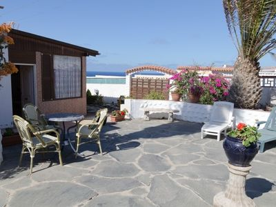 Photo for Rural house with large garden on the beach