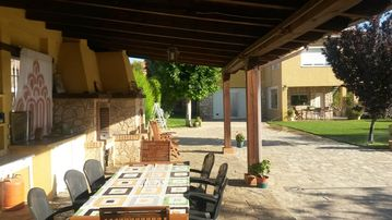 VILLA-CHALET IDEAL AND FAMILY GROUPS