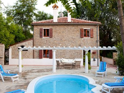 Photo for Stunning private villa for 12 people with WIFI, private pool, TV, pets allowed and parking