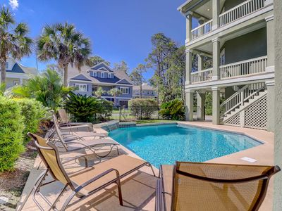 Spectacular private home, 2nd row with large pool, private yard, super close to beach!