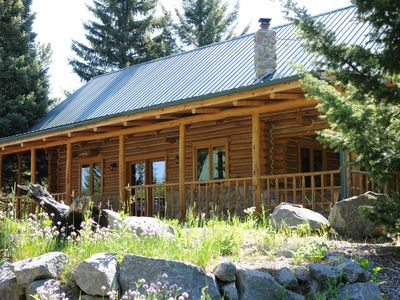 Trail Creek Cabin - Log Cabin Nestled in the Trees, Very Private