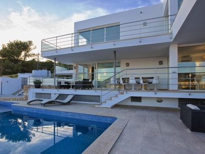 Photo for 5 bedroom Villa, sleeps 10 in Cala Gració with Pool, Air Con and WiFi
